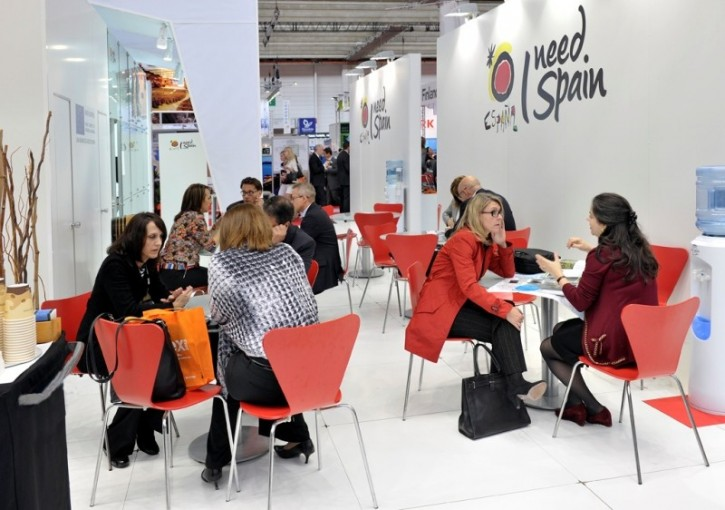 Grupo Adhoc. Turismo MICE: Meetings, Incentives, Conferencies and Exhibitions.